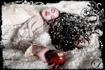 What happened to Snow White when she ate the poisoned apple?